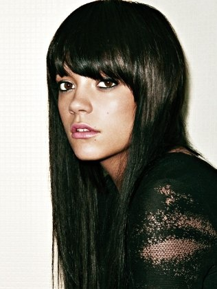 If I buy those jeans I can look like Kate Moss-Lilly Allen..god I love her!