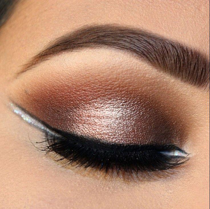 STYLING Model Face <~> :: Eye Makeup - Golden Line
