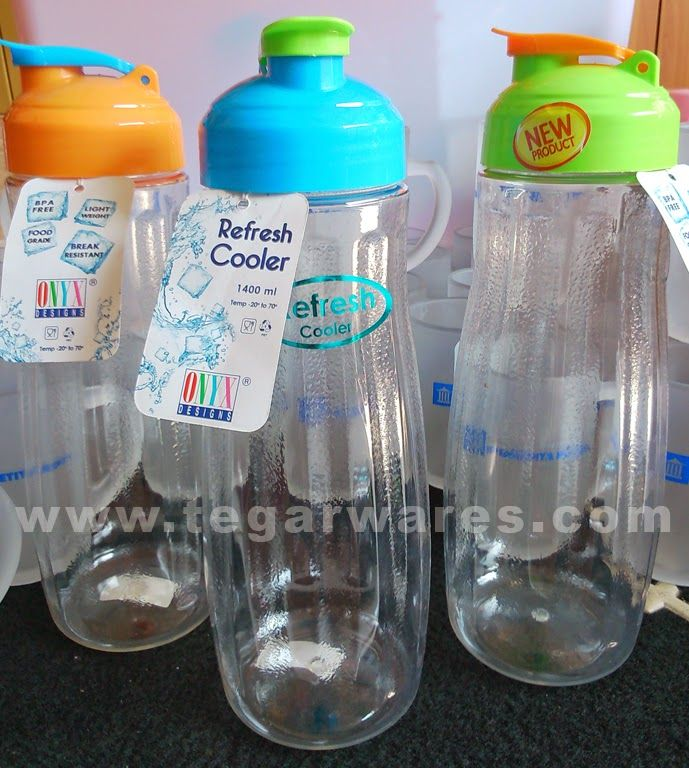 Onyx Cooler type Refresh 2 capacity of 1.5 liters Drinking bottles of 2 litre capacity is more appropriate to use as a container of drinking water in the refrigerator.