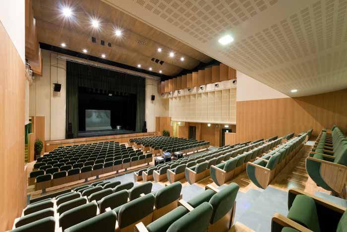 #TEATRO ERMANNO #FABBRI , Via Minghelli 11, 41058 #Vignola Tel. 059/9120911 info.biglietteria@emiliaromagnateatro.com Seguilo su www.emiliaromagnateatro.com