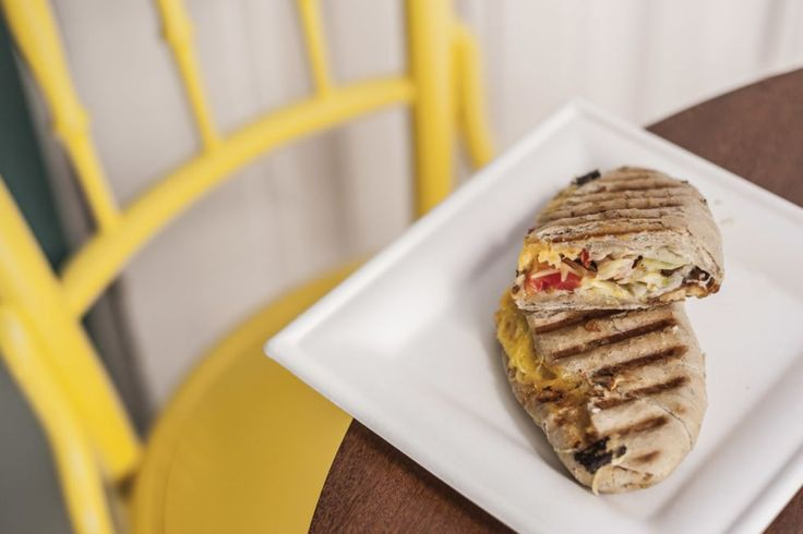 We visit this new hotspot serving hearty and healthy breakfasts and lunches just a few meters away from downtown Pest's Arany János Street metro station.