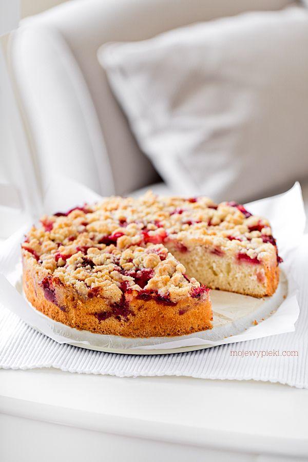 Ciasto ucierane z truskawkami i kruszonką