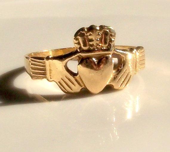 Vintage Irish ring. Possible gift from Grandma!