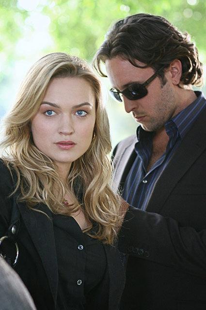"""Moonlight"" (TV Series 2007-2008) >> Alex O'Loughlin (Mick St. John) & Sophia Myles (Beth) >> the best shows always get cancelled early ... #Bittersweet :'("