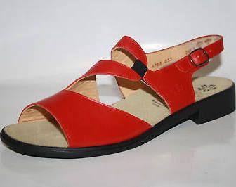 https://www.google.de/shopping/product/11972705222912640690?q=Sandalen damen flach