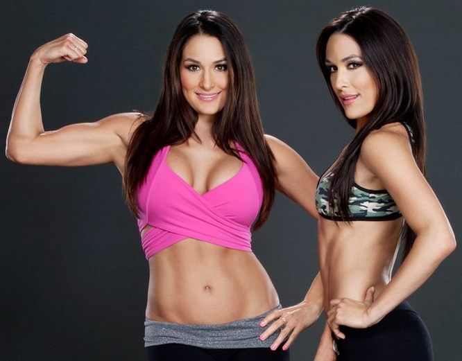Find the Nikki Bella workout routine here which will impress you a lot! Nikki Bella and Brie Bella the twins are not only WWE stars but also a style icons.