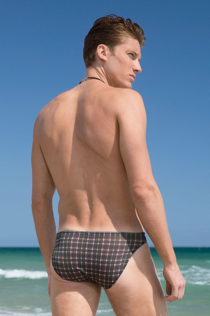 Brady Ervin for Undergear (2012) #BradyErvin #undergear #malemodel #model #Wilhelmina #WilhelminaModel #PromodModels #PMAModels #swimwear #abs #pecs #beach #sea