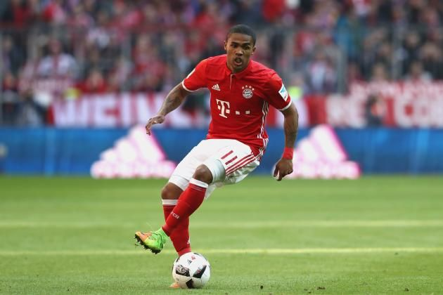 #rumors  Transfer report - Douglas Costa wants Juventus move over Manchester City and Manchester United