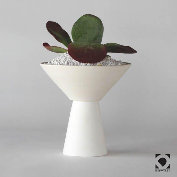 BC40 CERAMIC VASE/POT ↔21.0cm ↑21.0cm. White matte ceramic vase+pot. High quality handmade ceramics Designed+Made by Decovery | Essential Details.