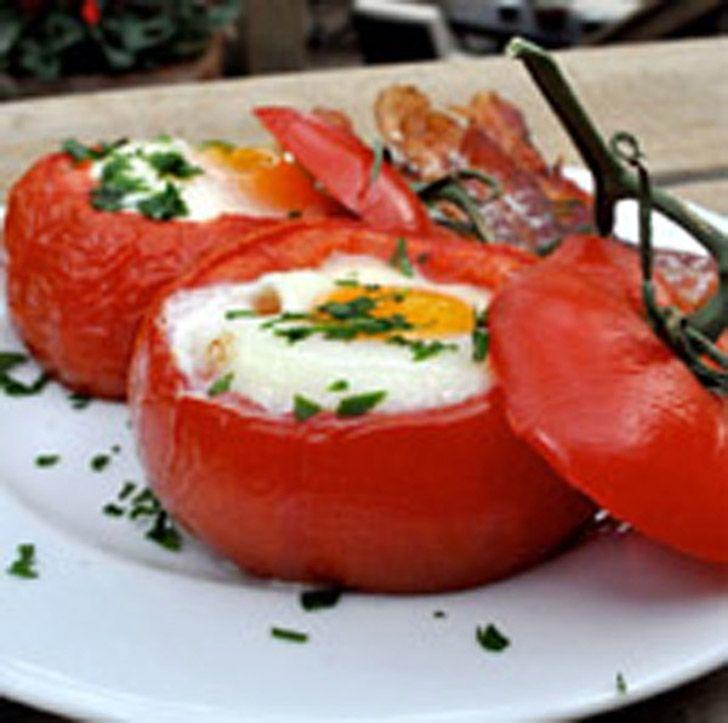Ψητές ντομάτες με αυγά