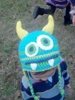 The Knitless Knitter: Crochet Monster Hat : Free Eyes and Teeth Patterns
