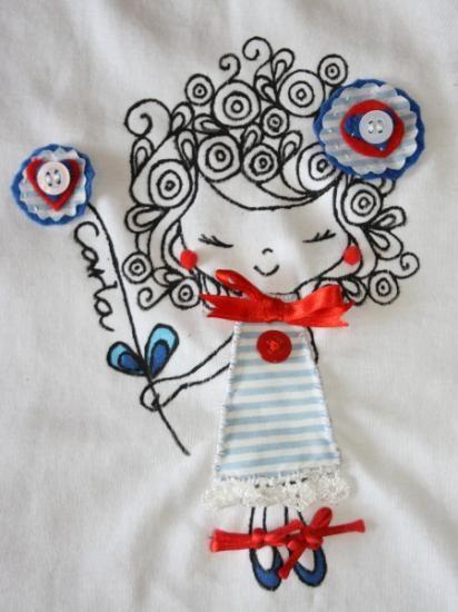 camiseta pintada a mano con aplicaciones camiseta pintada a mano con aplicaciones fieltro telas botones,abalorios pintura textil,puntillas lazos…