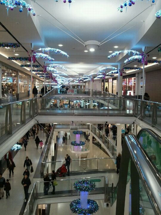 Centrale Shopping Centre in Surrey, Surrey