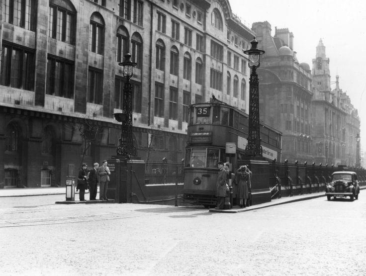 1952: Kingsway Tram
