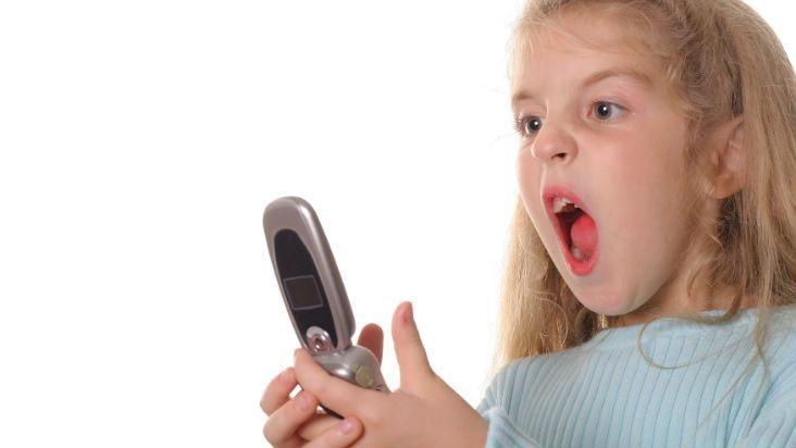 Los niños deben tener teléfonos celulares? Lee aquí la respuesta!