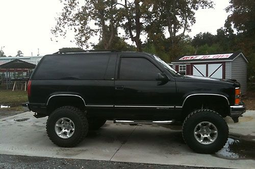 "1995 Tahoe  BDS 6"" 35x12.50 BFG M/T KM2s on 15x10 American Racing Atlas Rims"