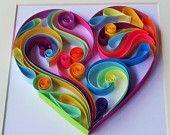 Articoli simili a Arte della parete, a forma di cuore che può illuminare la vostra stanza in carta quiling, quilling arte, colorato, colore brillante su Etsy