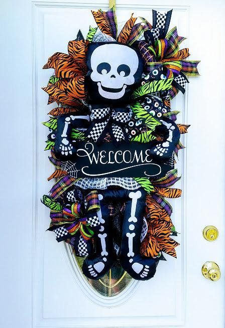Halloween Swag, Skeleton Swag, Halloween Door Decor, Skeleton