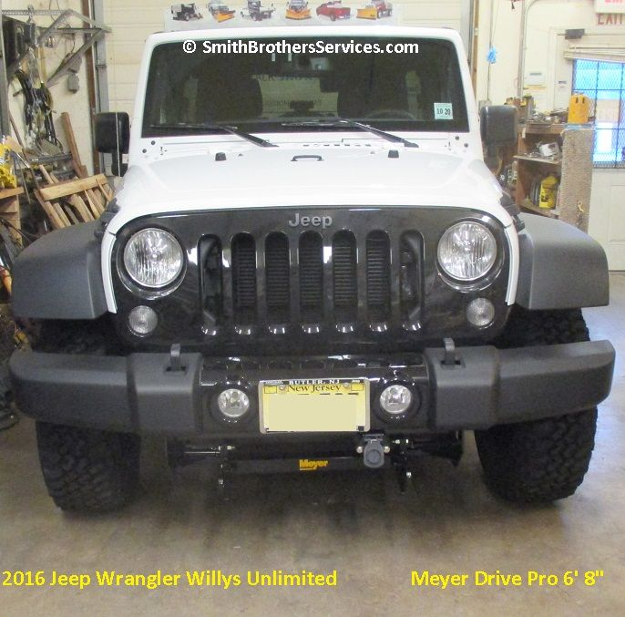 """2016 Jeep Wrangler Willys Unlimited Meyer Drive Pro 6' 8"""""""