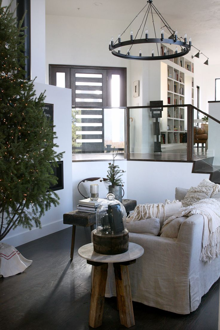 Green Couch Mountain Decor Living Room: 1000+ Ideas About Olive Living Rooms On Pinterest
