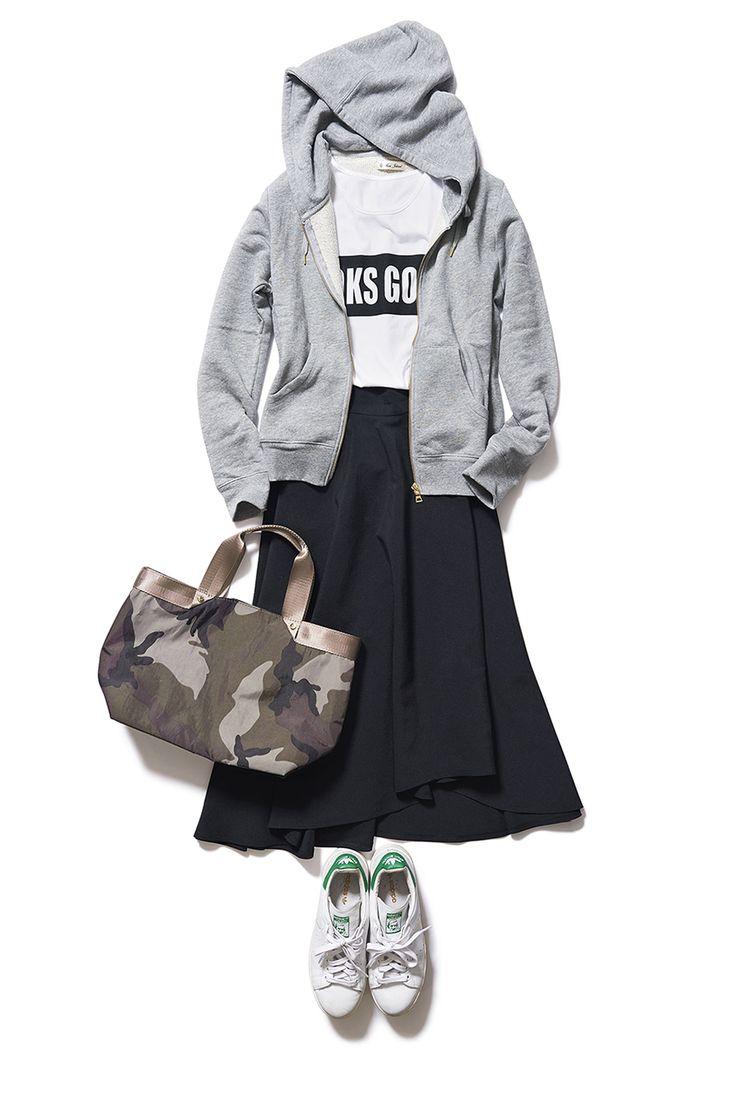 きちんともカジュアルも楽しめるブラックのミディ丈スカートが1枚あれば! ― A