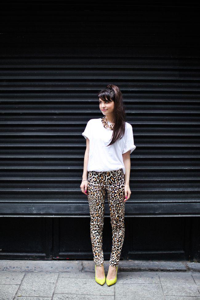 Le blog de Betty #spritzi #fashion #frenchblogger - Tee-shirt : Sparkle & Fade / Pantalon : TOPSHOP / Escarpins : TOPSHOP / Collier : ASOS -
