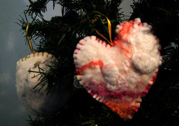 Corazón de fieltro relleno con flores secas de lavanda