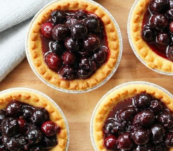 Easy Saskatoon Tarts! Just made these, added a bit more berries, it's so delicious!!!