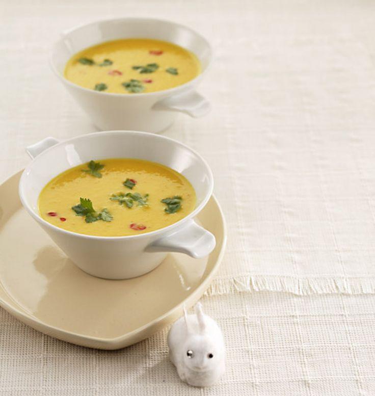 Rezept für Scharfe Möhrencremesuppe bei Essen und Trinken. Ein Rezept für 8 Personen. Und weitere Rezepte in den Kategorien Gemüse, Gewürze, Kartoffeln, Kräuter, Milch Milchprodukte, Obst, Vorspeise, Hauptspeise, Party, Brunch / Frühstück, Suppen / Eintöpfe, Dünsten, Kochen, Einfach, Gut vorzubereiten, Vegetarisch.