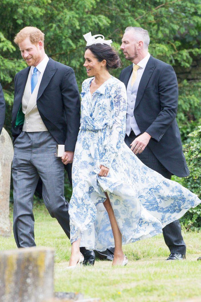 219b952c2b3 Meghan Markle outfit  blue and white floral print dress by Oscar de la Renta