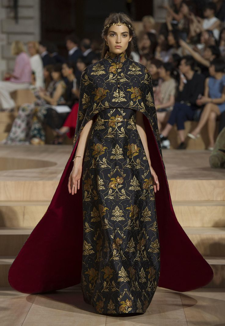 Valentino official website valentino women collection for Haute official