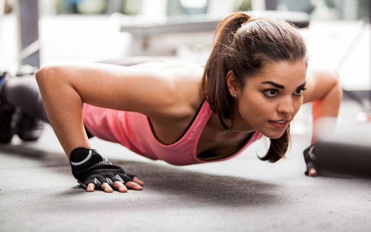 ženy, fitness model, kaštanové vlasy, Ponytail, hnědé oči, rukavice, tílka, bokeh, brunety, sportovní