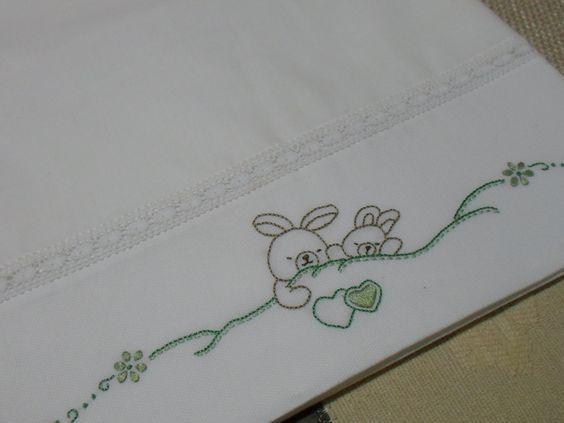 Resultado de imagen de lençois de bebe bordados a mão