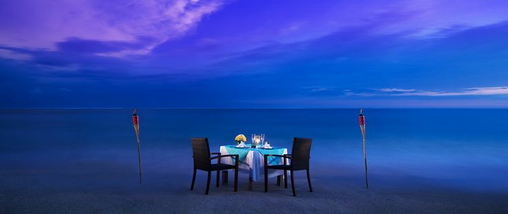 Romantic dinner at Samabe private beach