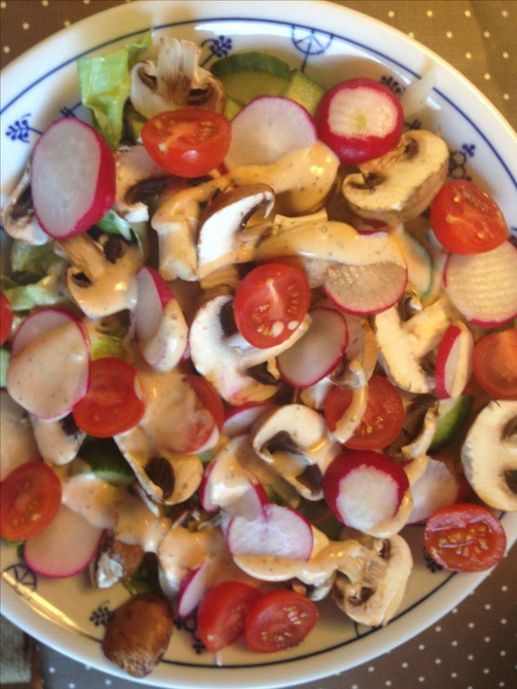 Gemischter Salat mit Champions und American Dressing – Abendessen bei Calli …  – Einfache Salat Rezepte