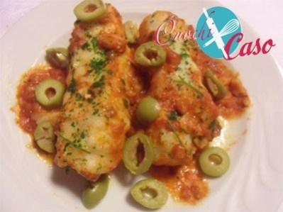 Filetti di merluzzo con pomodoro e olive
