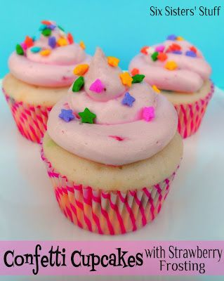 Confetti Cupcakes with Pink Strawberry Buttercream Frosting . . . the frosting is what makes this cupcake! Light, fluffy, and delicious! SixSistersStuff.com #dessert #cupcake #frostingStrawberries Buttercream, Pink Strawberries, Frostings Recipe, Cupcakes Frostings, Cake Ideas, Six Sisters Stuff, Buttercream Frostings, Strawberries Frostings, Confetti Cupcakes