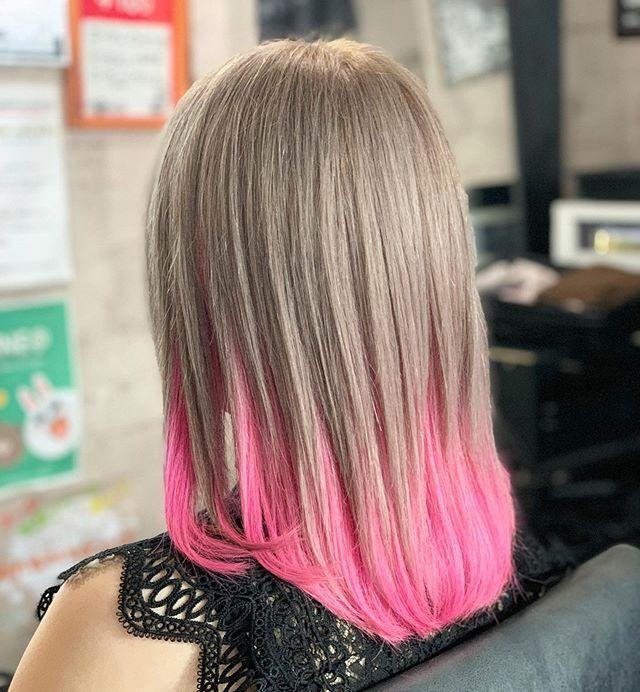 かなぺそ Trickstoreはinstagramを利用しています Milky Pink ブリーチ2回必要です 上はアッシュミルクティー インナーはベイビーピンクで可愛さアップ アニメ美容師 コスプレ アニメ ヘアスタイル ヘアカラー 派手髪 特殊 派手髪 ヘアカラー