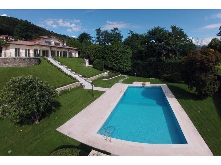 Luxury villa for sale in Lake Maggiore. The villa has been built by a local construction firm and one of the top Italian architect, on a plot of 3.460sqm. http://www.retemax.com/luxury-villa-for-sale-in-lake-maggiore-o630395.html