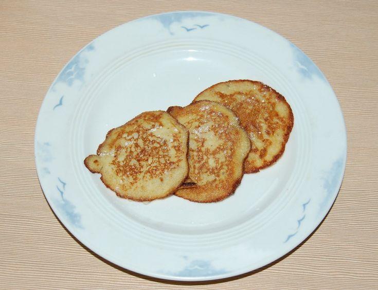 Przepis na bezglutenowe placki bananowe bez dodatku mąki i cukru. Alternatywa dla osób na diecie.