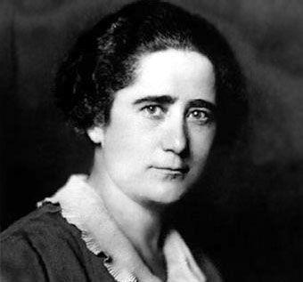 """Clara Campoamor """"Logró que se reconociera el derecho a voto a la mujer antes (1933) que en la mayoría de los países europeos"""""""