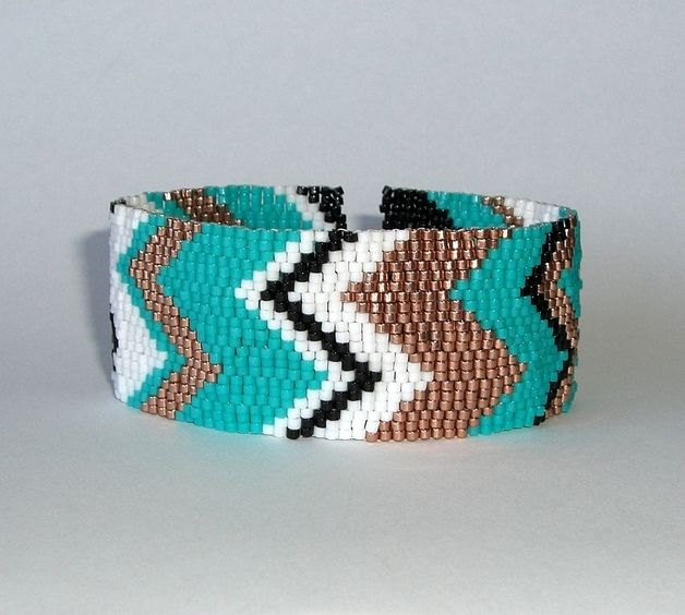 Zig Zag Stitch Knitting Loom : 17+ best images about Peyote Stitch on Pinterest Fusion beads, Loom and Loo...