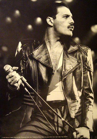 Freddie Mercury http://www.youtube.com/watch?v=VEJ8lpCQbyw