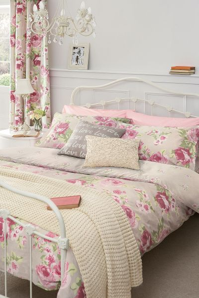 Shabby Chic Bed, Pillows, with Drapes and Bedding with Cottage Pink Roses