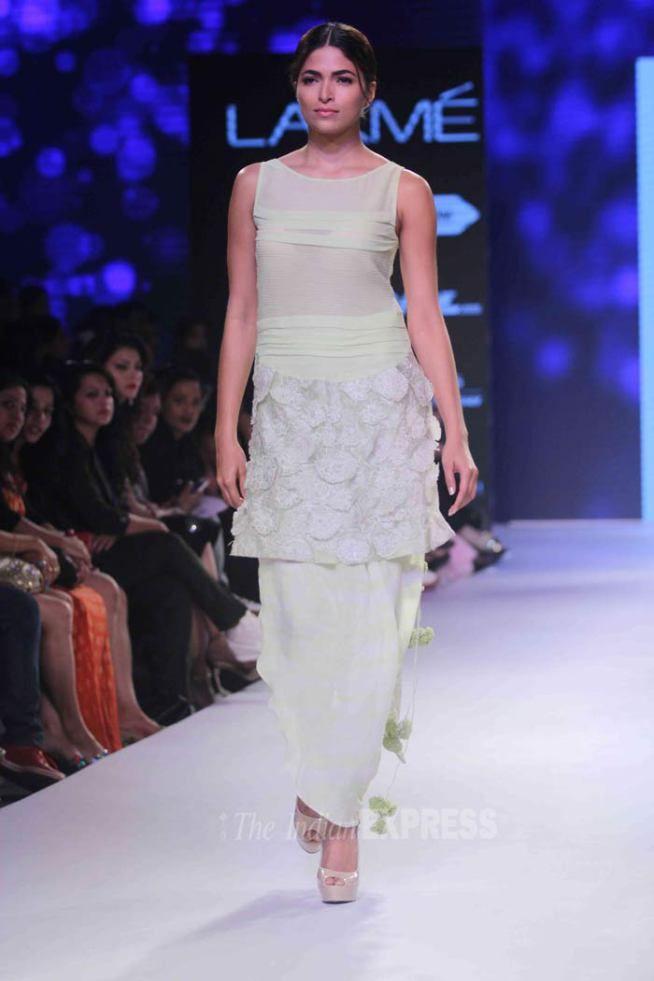 Parvathy Omanakuttan at the Lakme Fashion Week 2015. #Bollywood #Fashion #Style #Beauty #LFW15