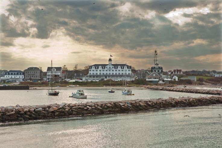 <b>From idyllic mountain villages to stunning seaside retreats, there's just something special about life in small-town New England.</b>
