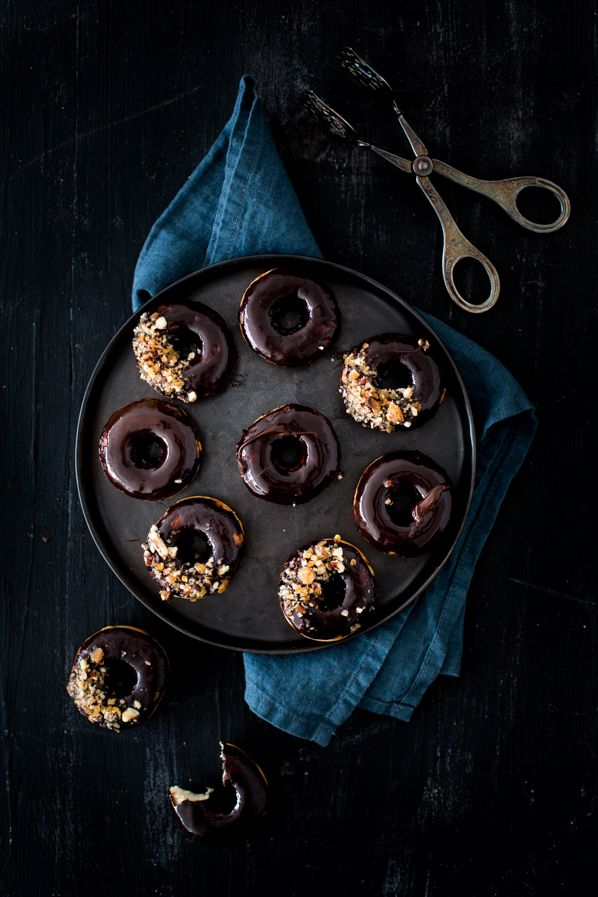 Chocolate and pecan donuts - Carnets Parisiens