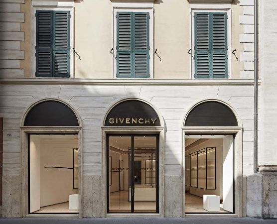 Roma Shop & More: Givency a Via del Babuino.