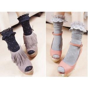 Calcetines retro con encaje