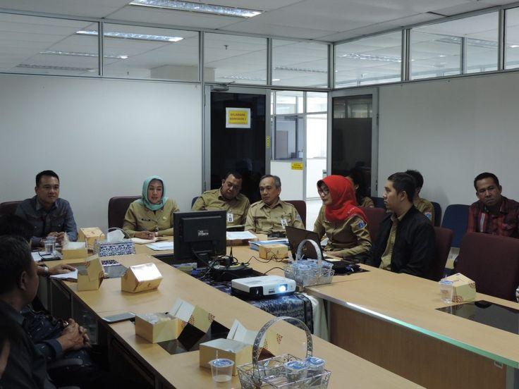 Sebagai Narasumber adalah Sudin Pelayanan Pajak Jakarta Jakarta Timur, yang diwakili oleh Bapak Syaukat Akmar Kepala Sudin Pajak Jakarta Timur dan hadir bersama 4 Kepala Seksi-nya.